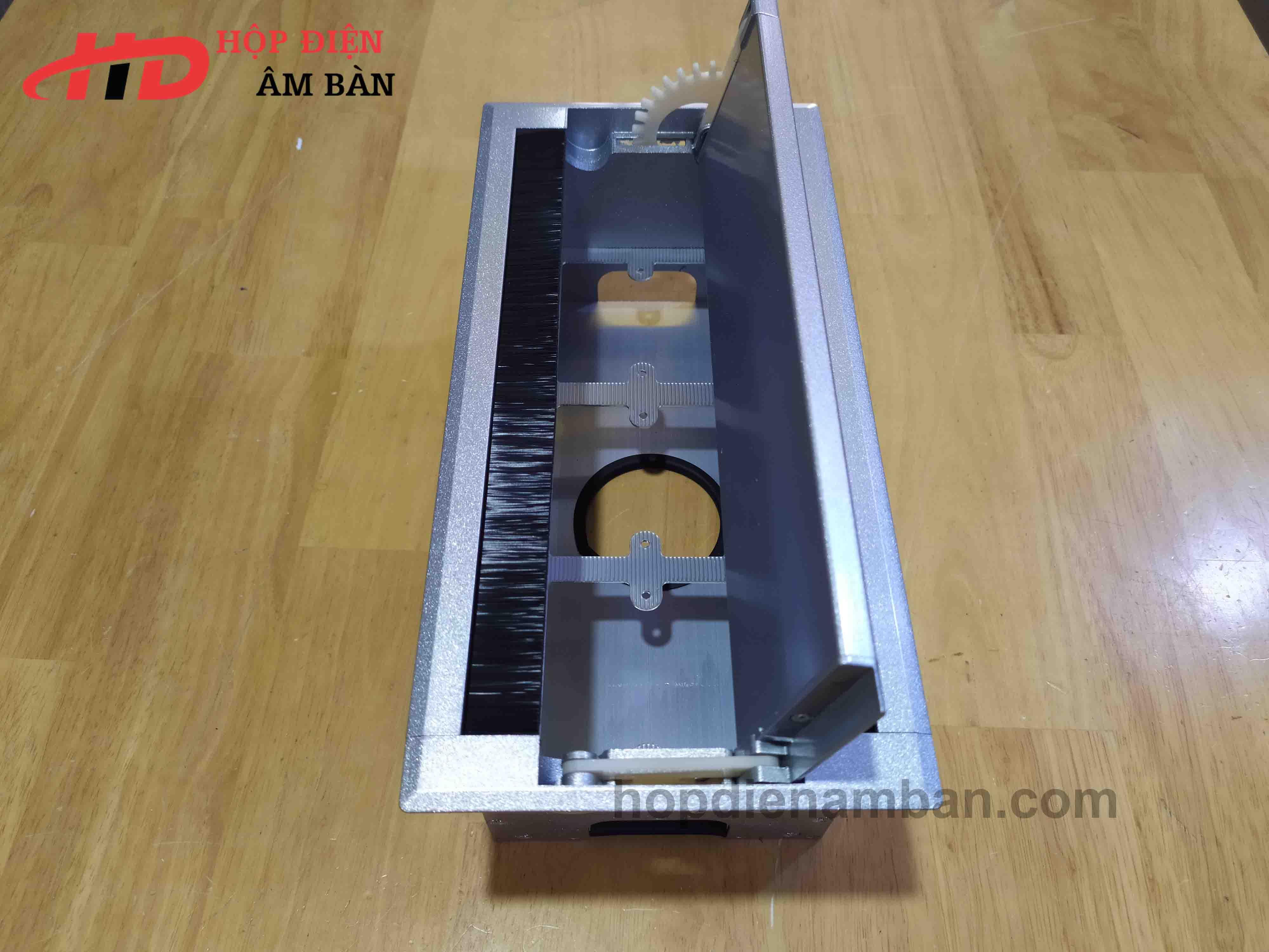 Hộp Điện Nhôm Âm Bàn Mở Nắp 2 Bên HD-MDS01W3